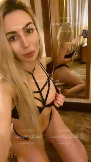 Marie-gwenaelle call girl in Oroville California