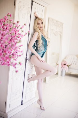Zahida escort girls