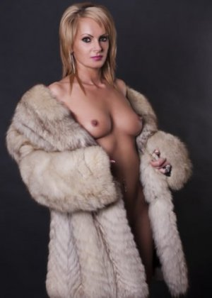 Lyssia sex party and live escort